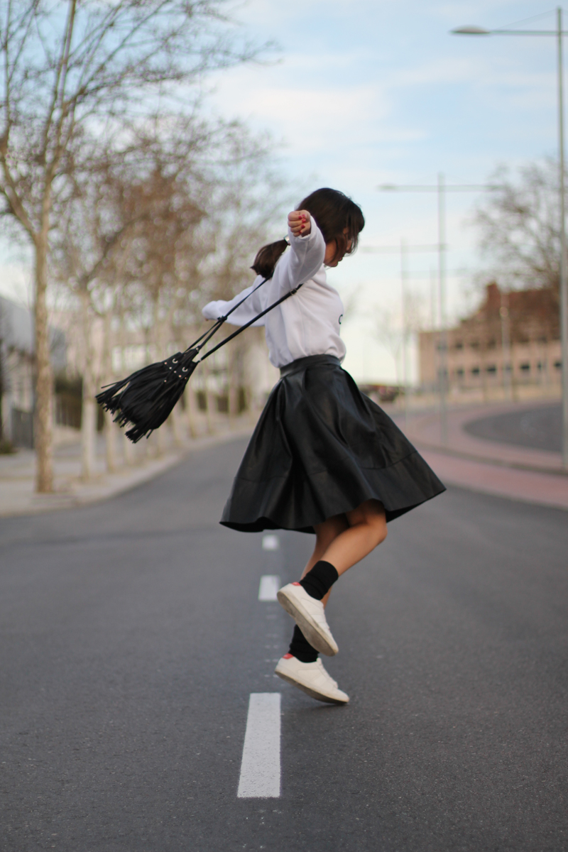 look_sporty_chic_bliving_in_fashion_blog