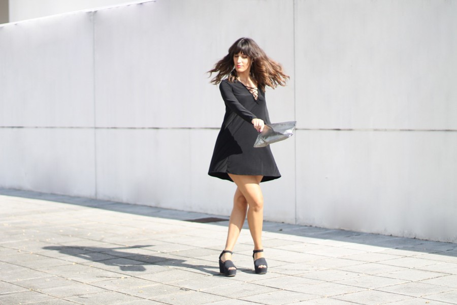 lace_up_dress_look